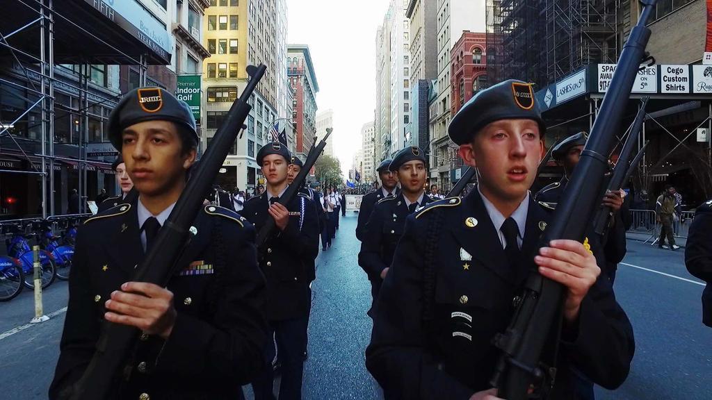 les petits soldats de l'Amérique : Marjolaine Grappe réal. |